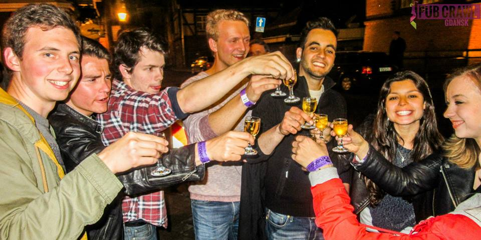 Få vodka skott på en bar hopping i Gdansk