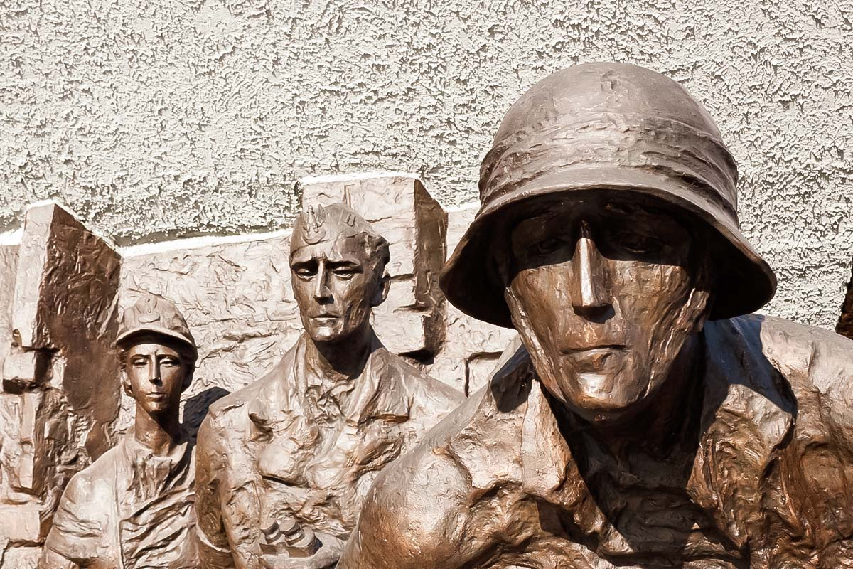 Monument of fighting warsawians is a the memory to be held during the Wartime warsaw tour