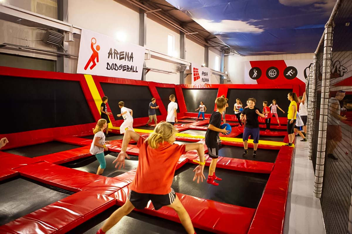 Enjoy playing dodgeball in the trampoline park in Wroclaw