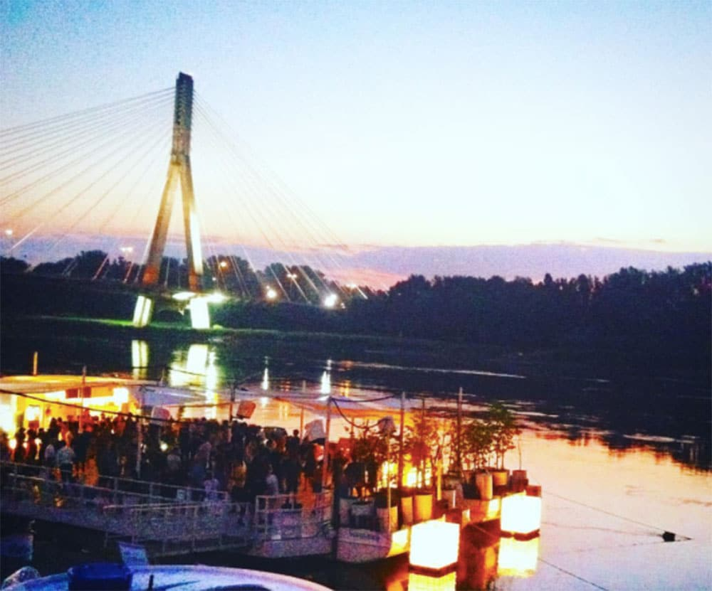 Party in the Warsaw riverside is pretty cool!