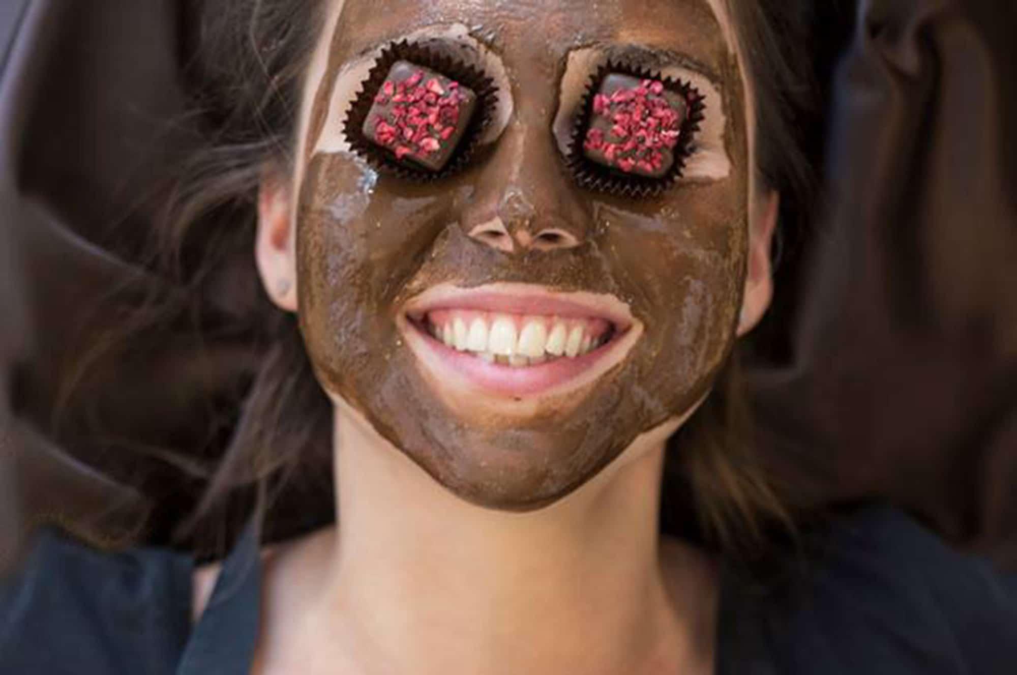 Choklad gör människor glada, inte bara choklad utan även våra workshops är utformade på ett sätt som får dig att känna dig fantastisk!