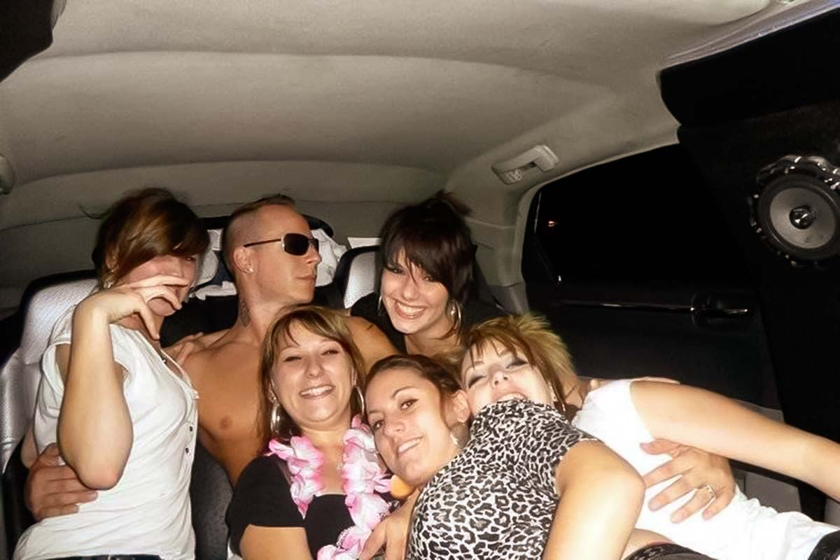 Warsaw limousine on a hen party with a chippendale