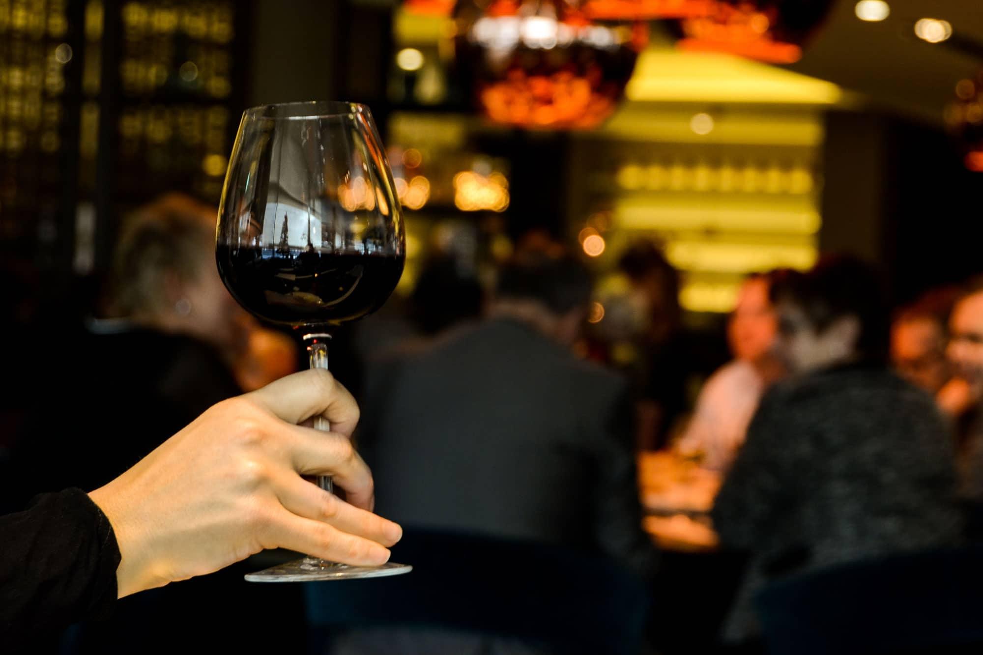 Liity kuuluisaan viininmaisteluun Krakovassa